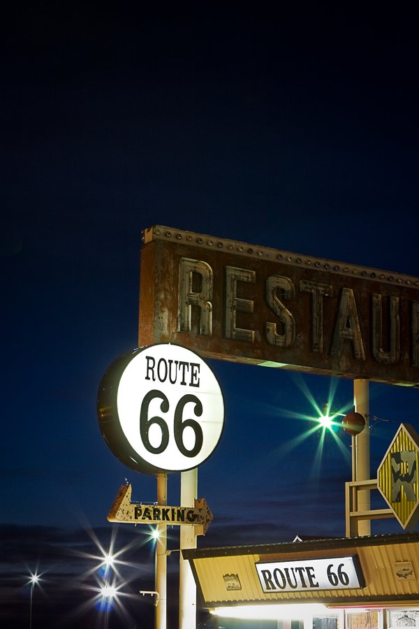Route 66 Restaurant at night thumbnail