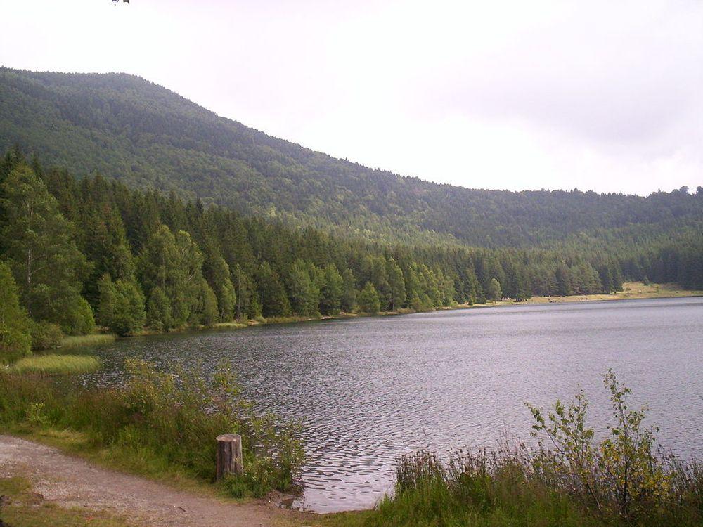 1024px-Szent_Anna_tó_3.jpg