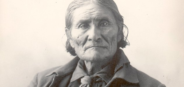 Geronimo as a prisoner of war at Fort Sill, Oklahoma, 1898
