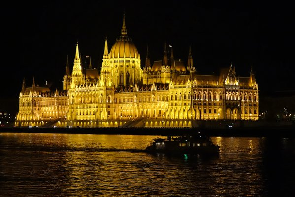The Hungarian Parliament in Budapest thumbnail