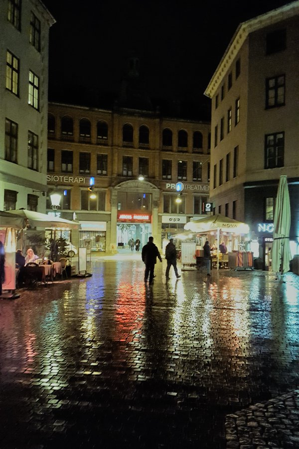 Rainy night in Copenhagen thumbnail