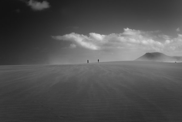 Sand dunes in Corralejo National Park thumbnail
