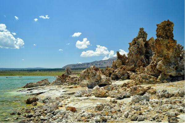 Mono Lake with basalt rocks thumbnail