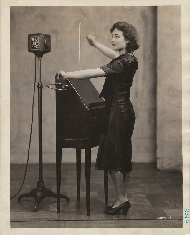 A Century Ago, This Eerie-Sounding Instrument Ushered in Electronic Music