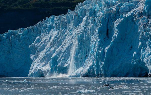 Glaciers calving thumbnail