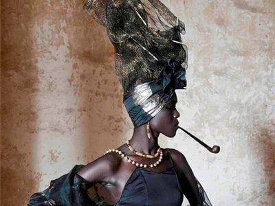 With elaborate coiffures and scarves and ceremonial garb, all the way down to beautifully designed sandals and the tinkling of gold bracelets, Senegalese women usefashion for sociopolitical and economic ends as well as celebrating their own history.