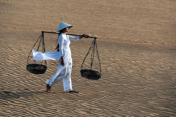 Red dunes at Phan Thiet, Vietnam thumbnail