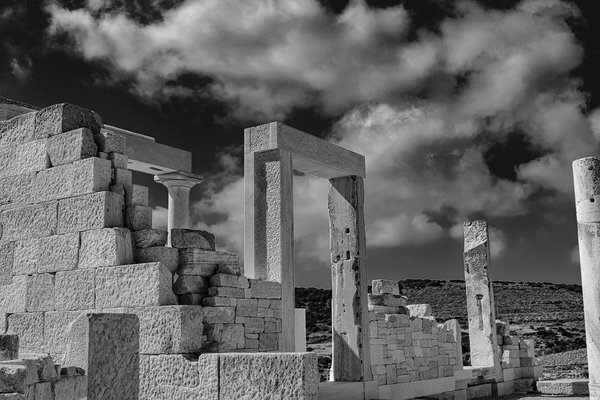 Temple of Demeter in Black and White thumbnail