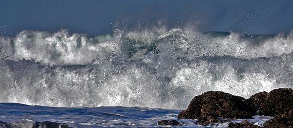 Waves Crashing on the Oregon Coast thumbnail