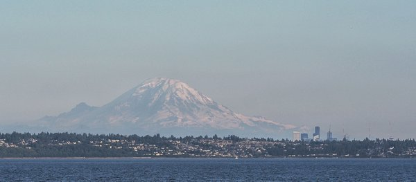 Mount Rainier looms over Seattle thumbnail