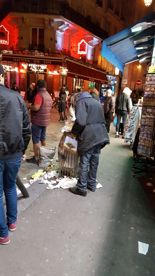 A hungry man on the streets of Paris thumbnail