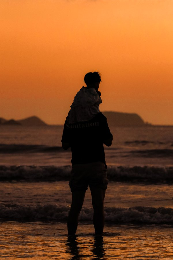 Sun rise and father love thumbnail