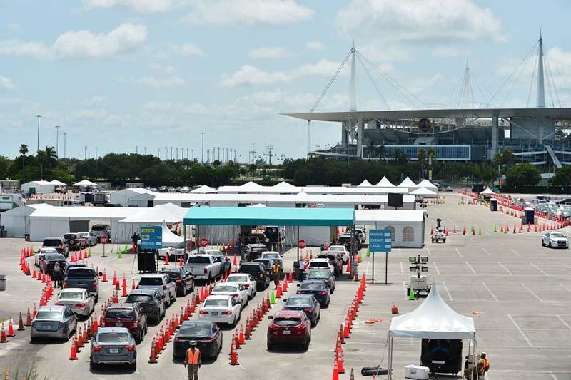 drive-in COVID testing site in Miami.jpg