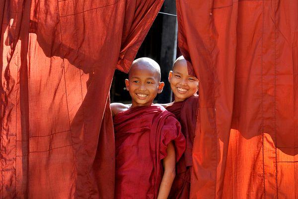 Smiling monks thumbnail