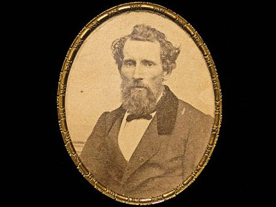 In a letter to the Daguerreian Journal in 1851, Levi Hill claimed to have invented color photography.