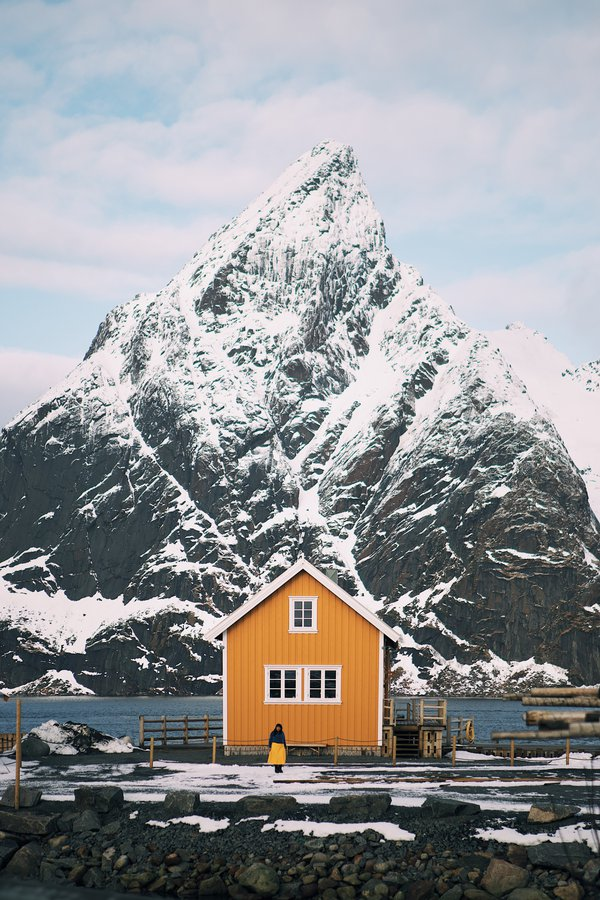 Wooden House by the Sea in Reine thumbnail