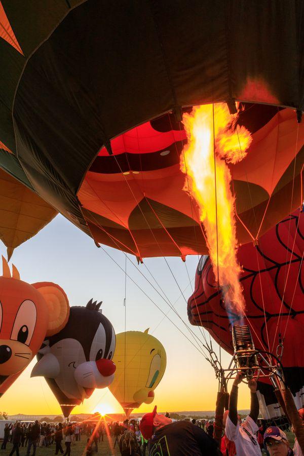 Balloon Glow Sunset thumbnail