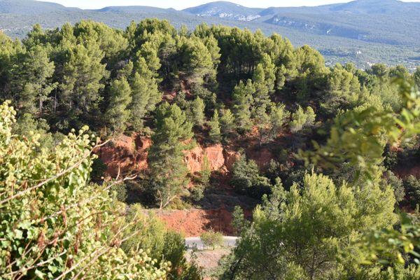 Red Rocks of Roussillon thumbnail