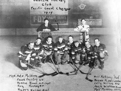 A team photo of the 1919 team that won the Pacific Coast Hockey Association championship