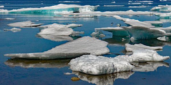 Iceberg reflections thumbnail