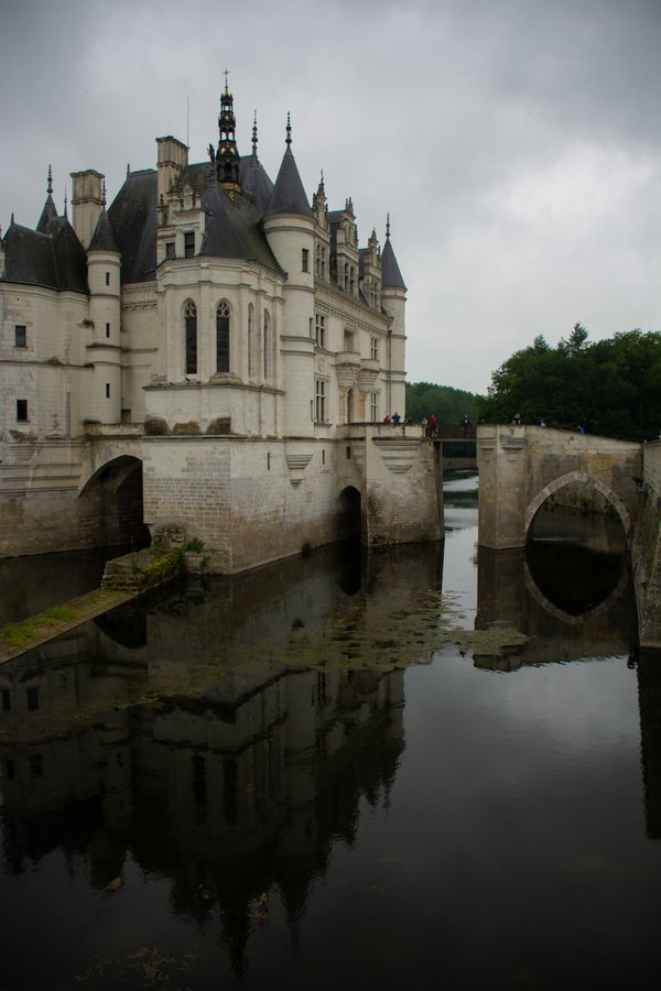 Reflection of Chenonceau thumbnail