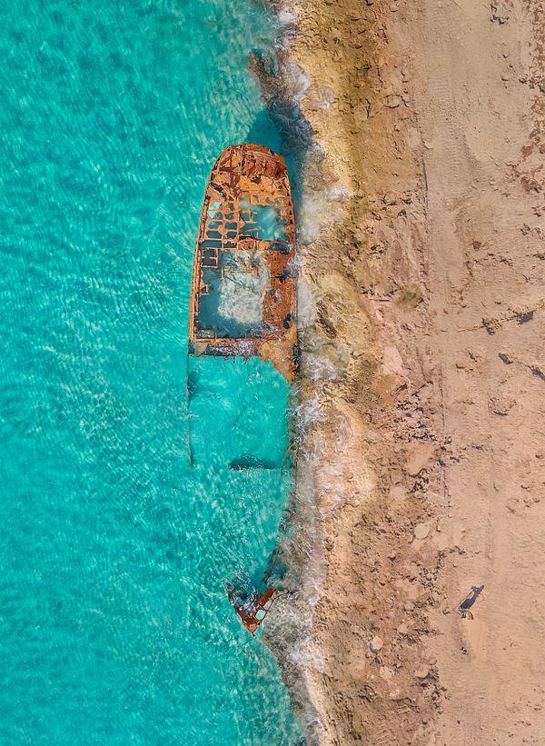 Shipwreck and Photographer thumbnail