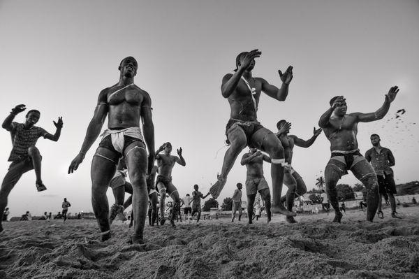 Senegalese Wrestlers thumbnail