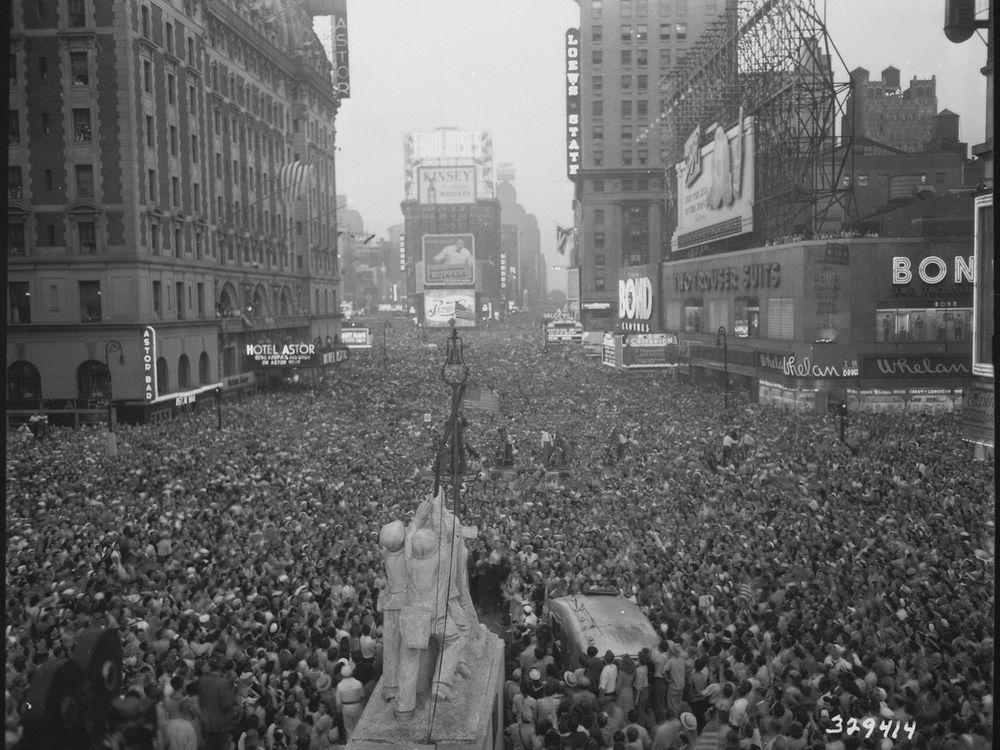 VJ-day-in-Times-Square