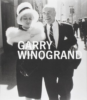 Preview thumbnail for Garry Winogrand (Metropolitan Museum, New York: Exhibition Catalogues)