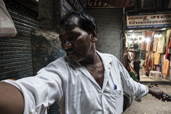 Narayan moving the Tuk Tuk @ Delhi thumbnail