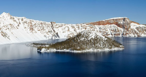 A sunny day in winter at Crater Lake, OR thumbnail