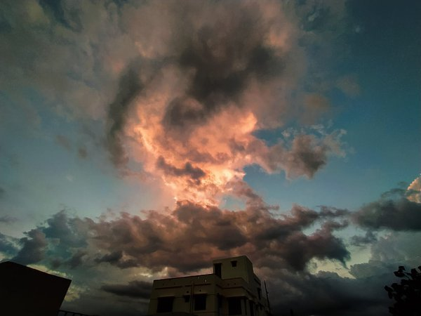 The volcano- like cloud. thumbnail