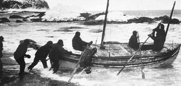 Shackleton-james-caird-in-surf-631.jpg