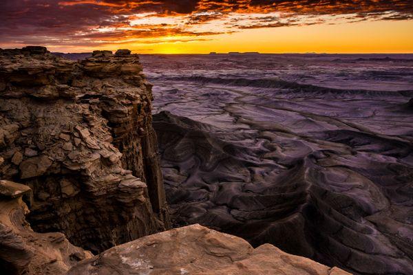 Moonscape Point Sunrise - Utah thumbnail