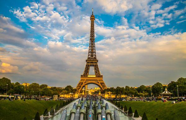 Eiffel Tower thumbnail