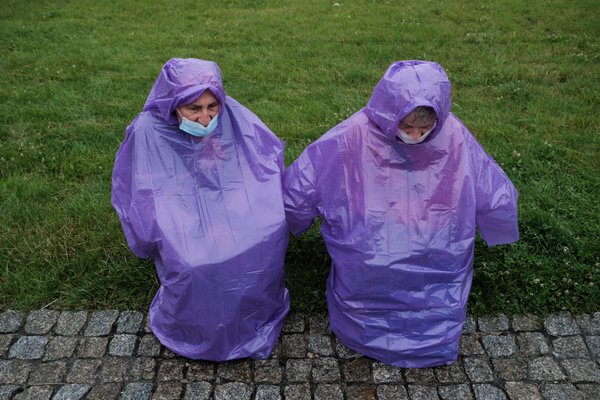 Pilgrims in the rain thumbnail