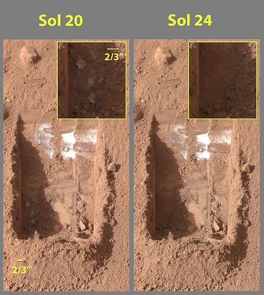 20110520102311535px-Evaporating_ice_on_Mars_Phoenix_lander_image.jpg