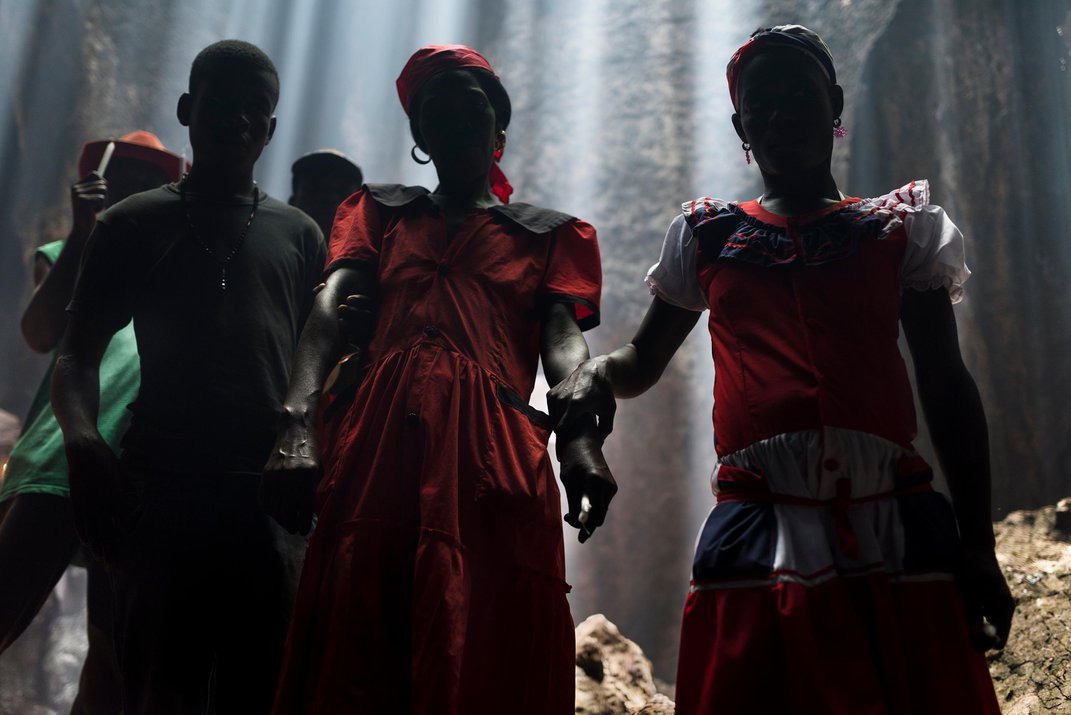 Smithsonian Magazine's Most Powerful Photos of the Year