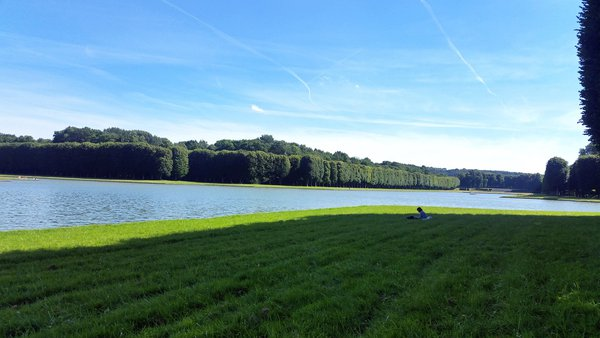 Lazy Sunday Afternoon in Versailles thumbnail