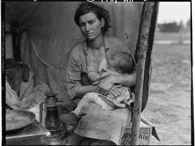 """Portrait of Florence Thompson, aged 32, that was part of Lange's """"Migrant Mother"""" series. Lange's notes detailed that the family had """"seven hungry children,"""" including the one pictured here. """" Nipomo, California, circa 1936."""