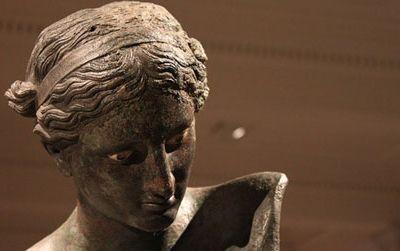 Detail of the Cleveland Apollo Sauroktonos