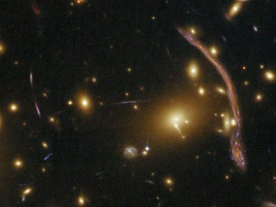 Abell 370: Galaxy Cluster Gravitational Lens