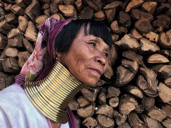 A kayaw woman thumbnail