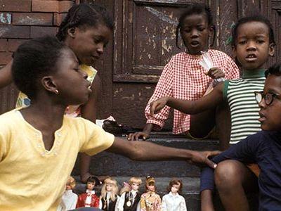 Girls, Barbies, Harlem, 1970.