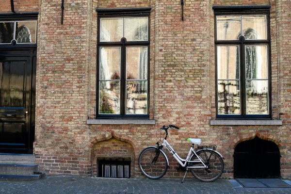 Bicycle on Cobblestone Street thumbnail
