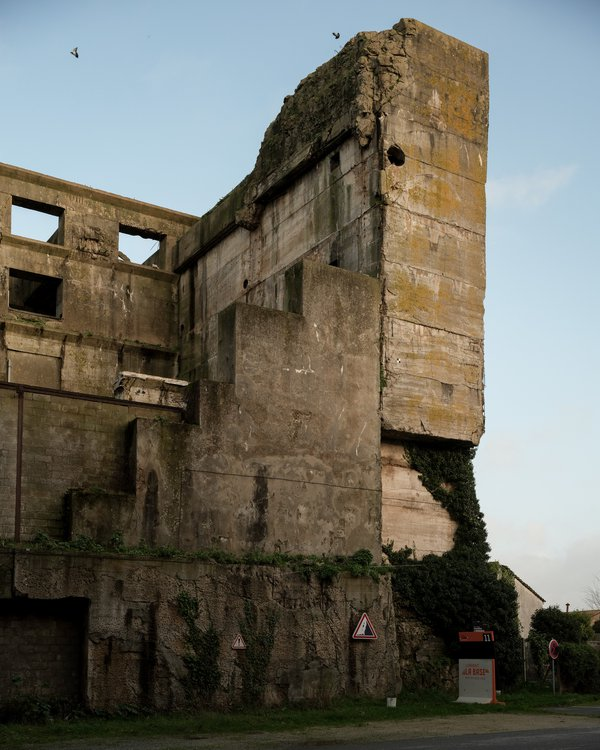 The ruines of the Keroman submarines german base in Lorient thumbnail