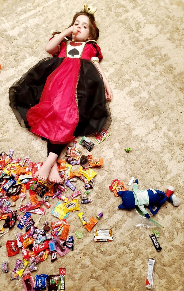 Queen of Hearts find satisfaction in her sweet tooth prize thumbnail
