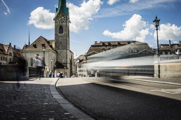 Street Scene in Zurich, Munsterbrücke thumbnail