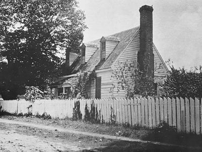 An early 20th-century photo of the building in its original location on Prince George Street in Williamsburg, Virginia