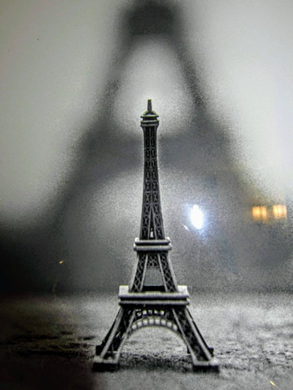 Early Morning In Paris thumbnail